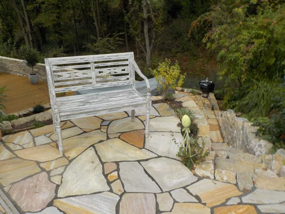 Terrassen Treppen In Den Garten Amazing Mit Findlingen